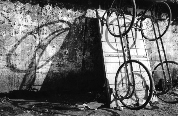 Cart and Shadows,Kolhapur,street scene,India,gelatin silver print